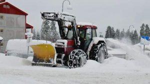 Snøbryting Traktor